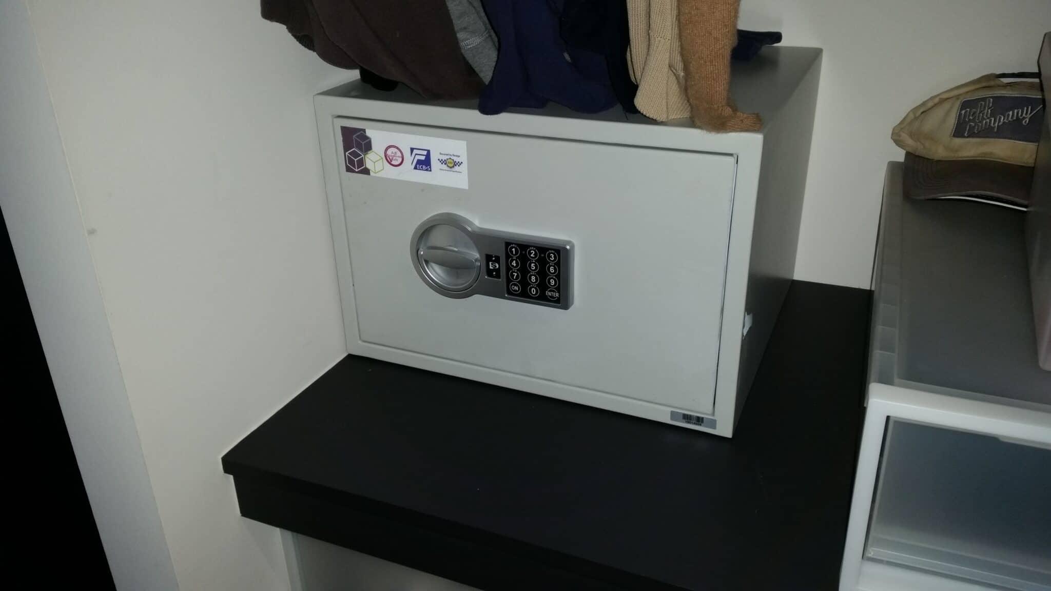 Richmond Size 2 Digital Safe