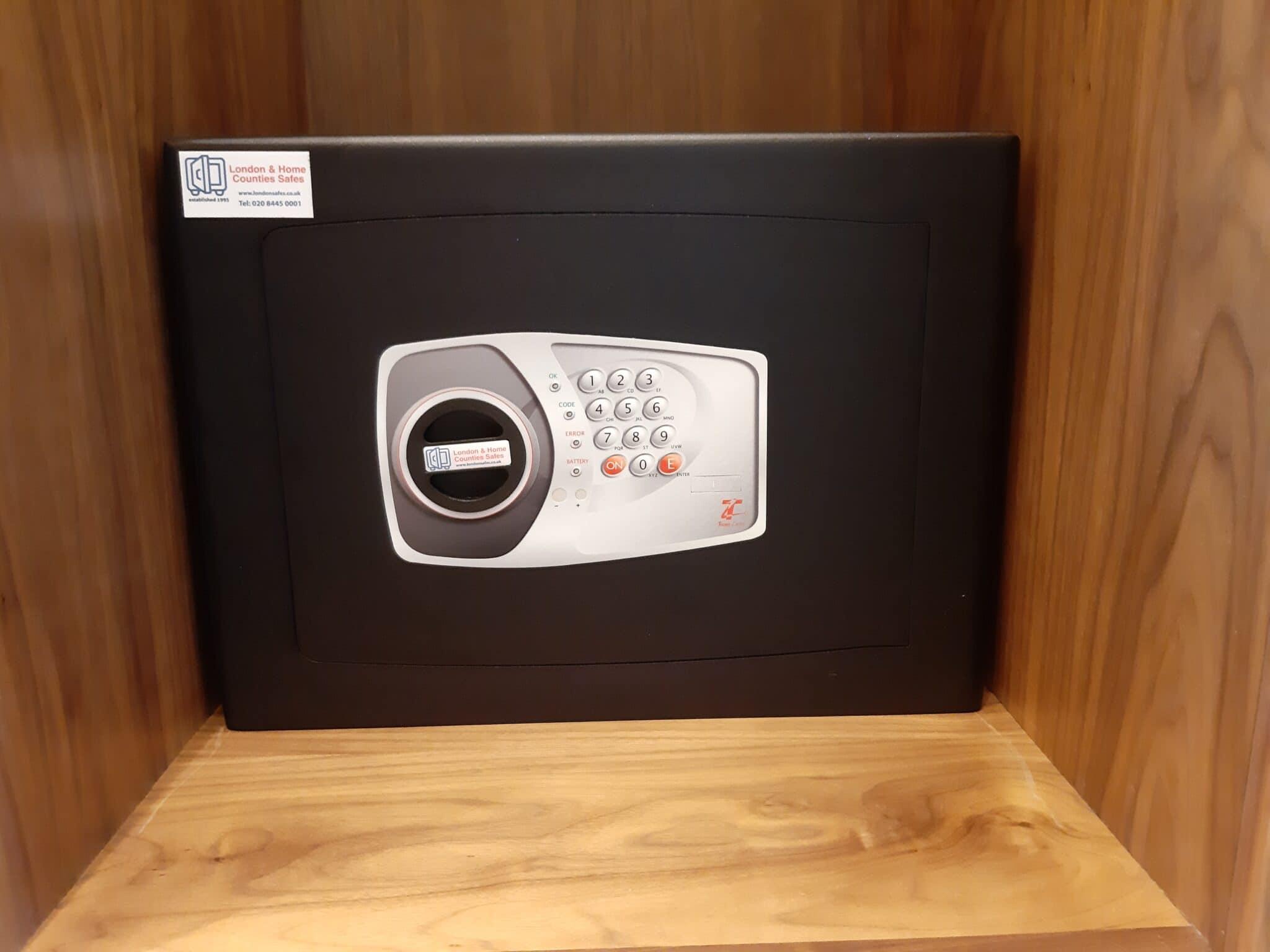Bloomsbury Size 3 Digital Safe